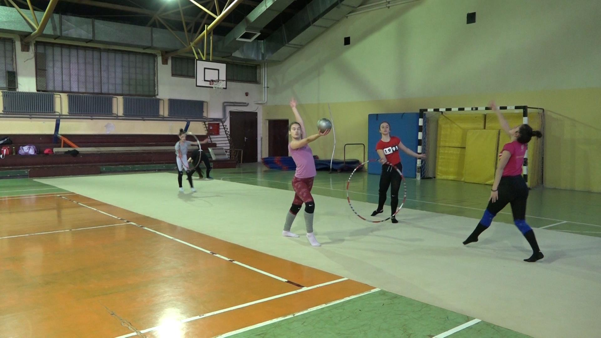 Članice Gimnastičkog kluba Paraćin treniraju i prepremaju se za prva takmičenja u 2021. godini