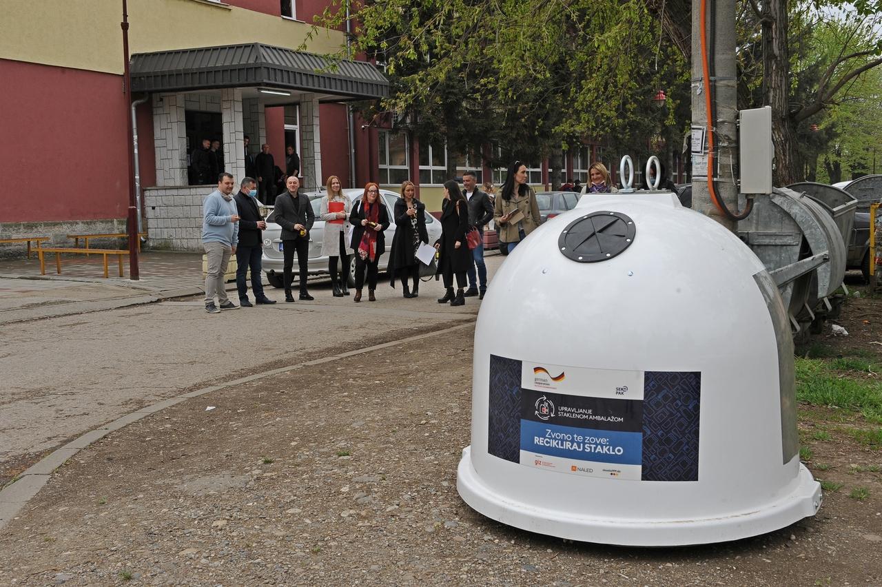 Na ulicama Varvarina 30 novih kontejnera za reciklažu stakla