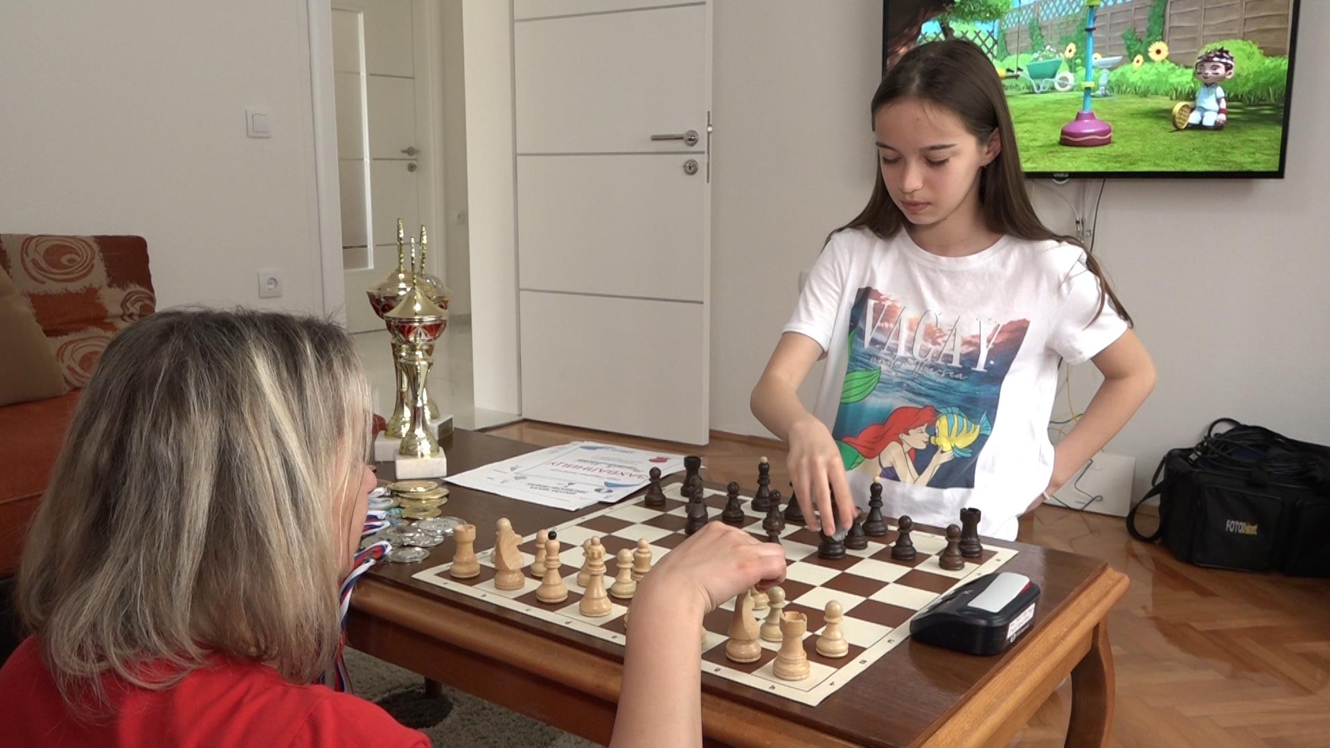 Paraćinka Nina Railić niže uspehe na šahovskim turnirima