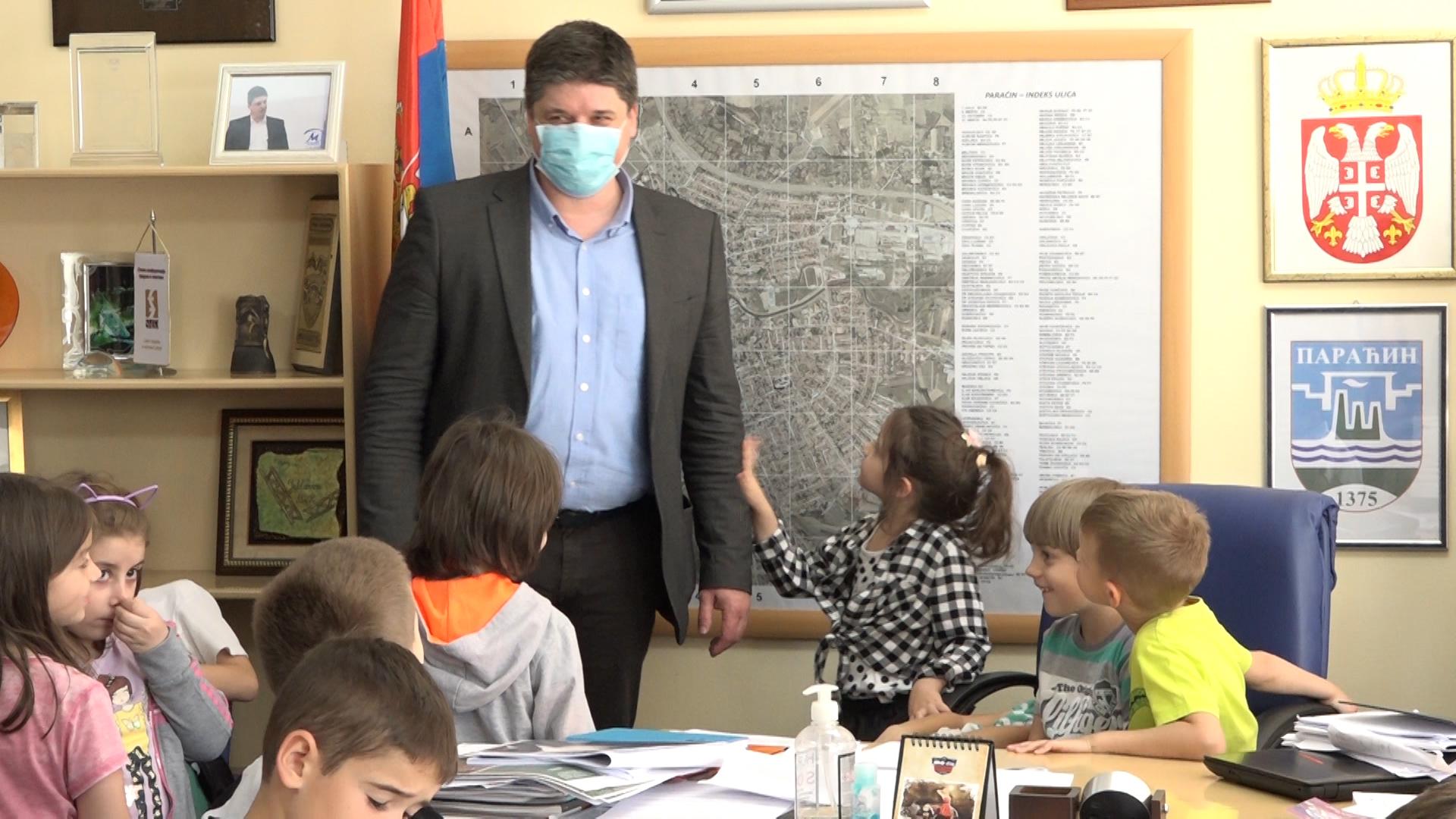 Predsednik Opštine Vladimir Milićević ugostio paraćinske predškolce