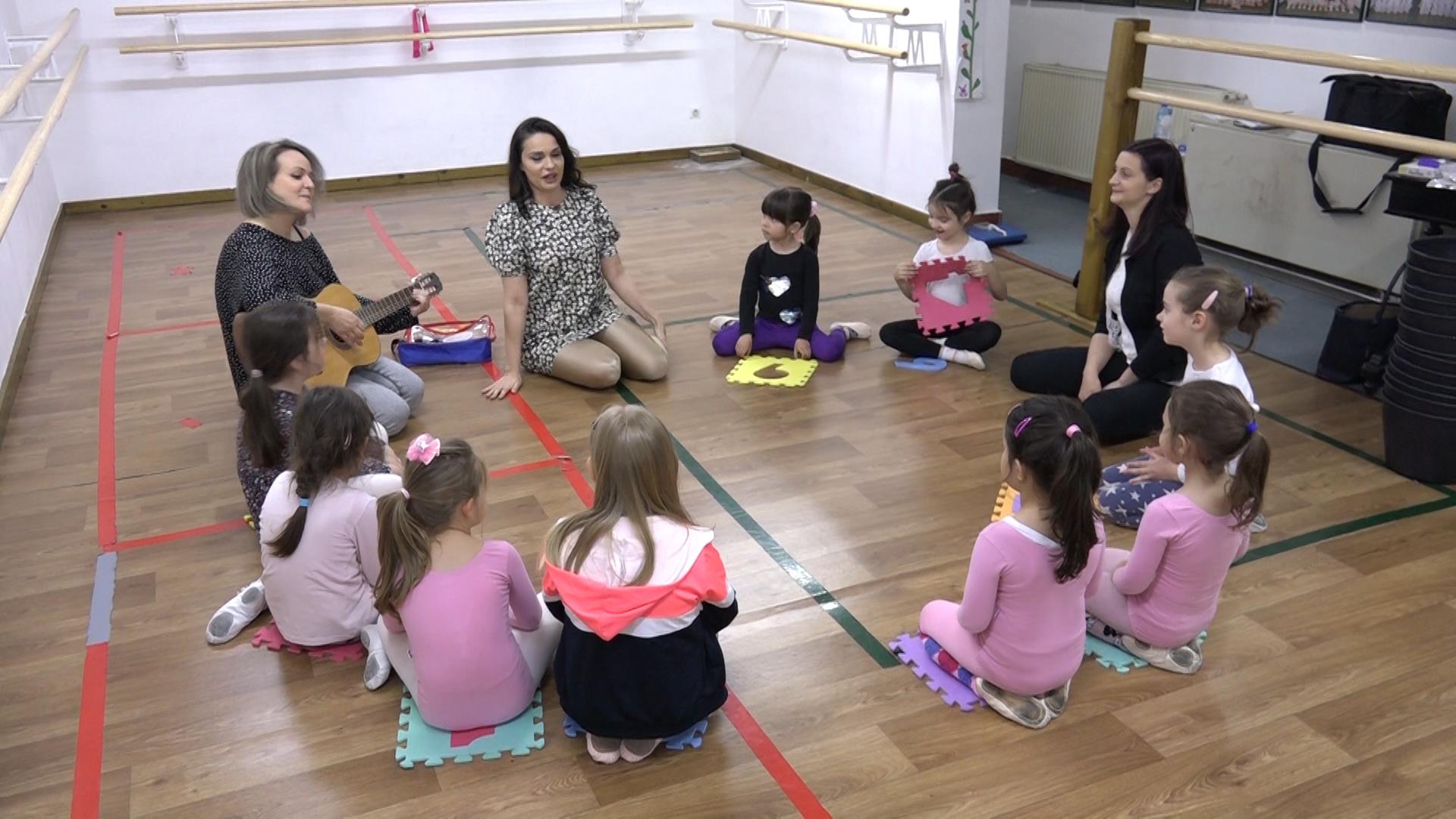 """""""Ti ra ram"""" muzičko-psihološka radionica sa devojčicama iz Baletskog studija """"M"""""""