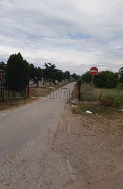 Za Zadušnice zabranjen ulaz motornim vozilima na groblje