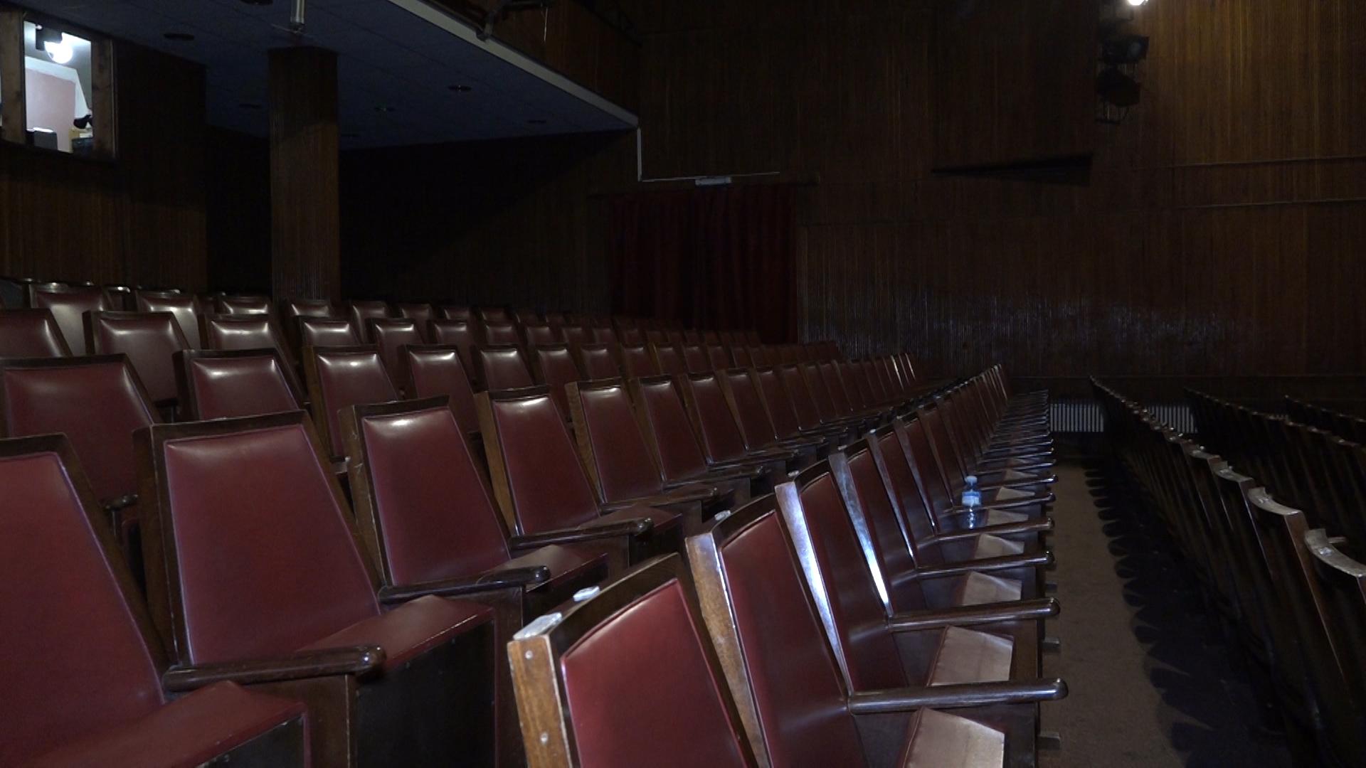 Paraćinskom Pozorištu vraćena sala na upravljnje