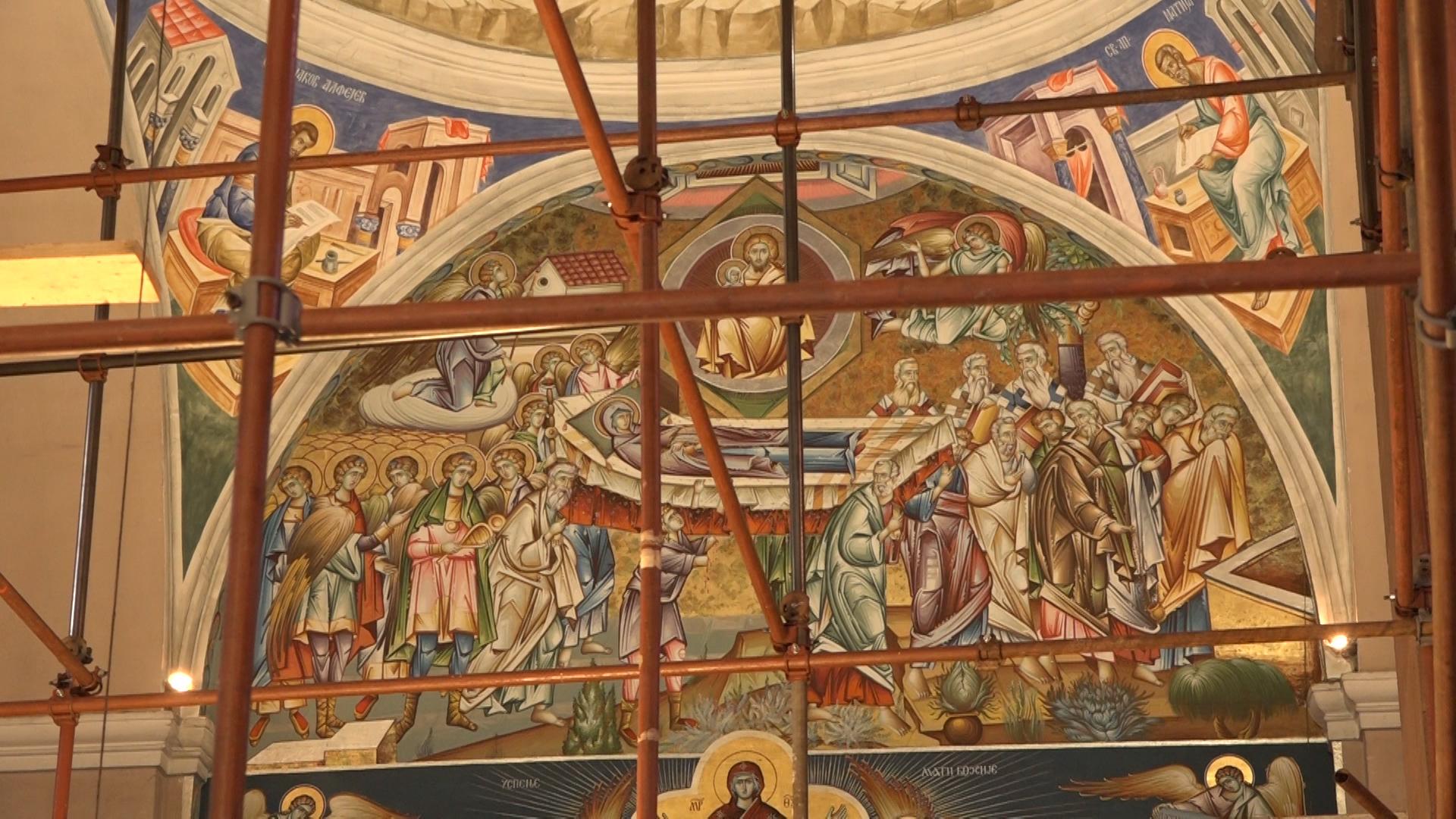 Oslikavanje zidova u crkvi Svete Trojice u Paraćinu