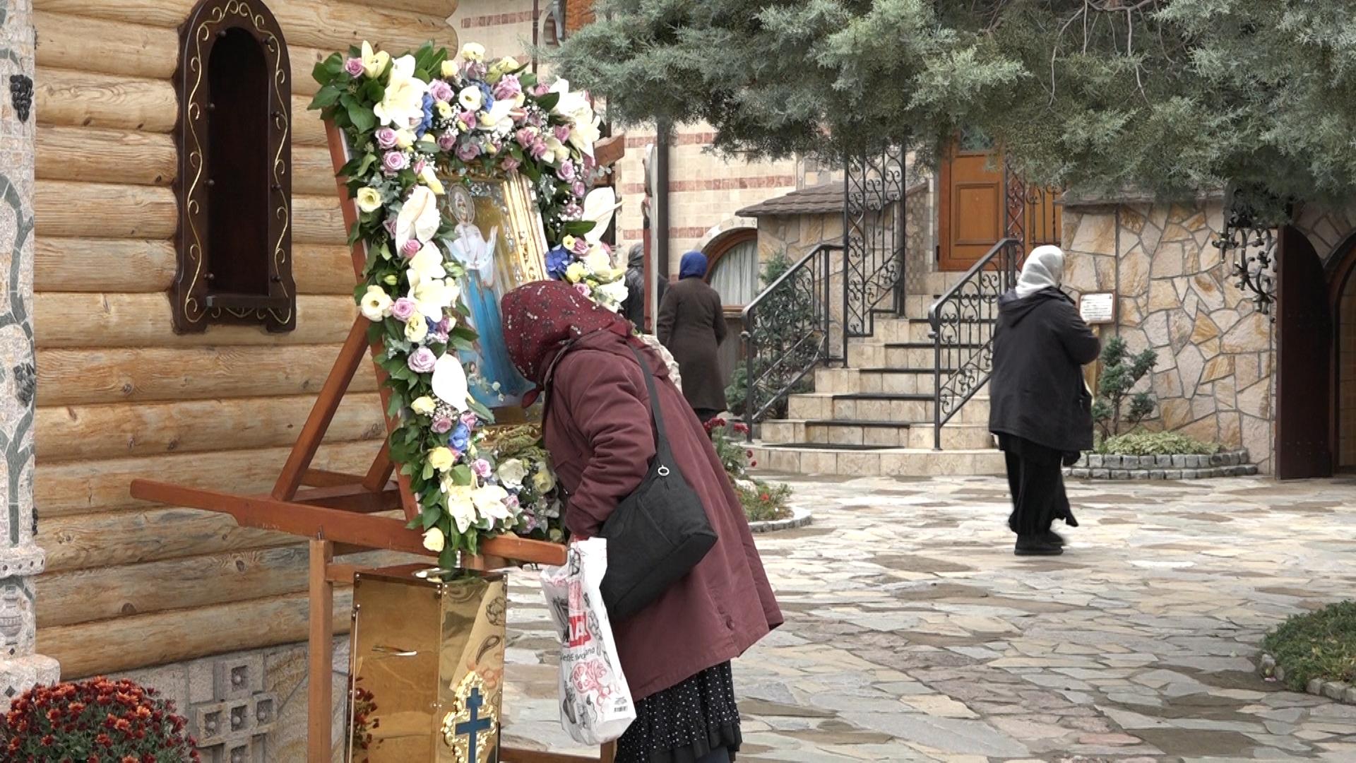 Praznik Pokrova Presvete Bogorodice okupio vernike u Lešju